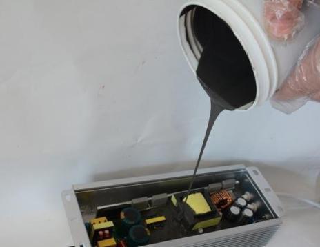 加成型热固化硅橡胶使用中出现胶不固化是什么原因?