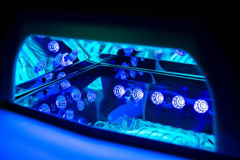 uv胶是什么特性的胶水?UV胶又有什么特点?作用有哪些?