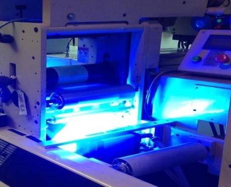 UV胶水固化后为什么会发白?有什么解决的办法?